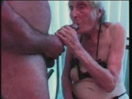 Смотреть секс с самой старой бабушкой фото 270-115