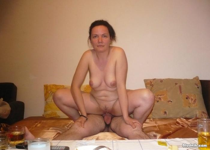 Голые девушкинемки фото  частная эротика