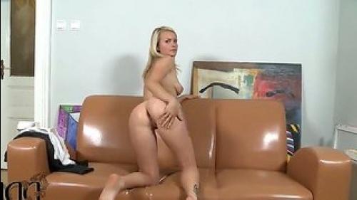 Натуральный блондин Белла ребенок горячий интервью